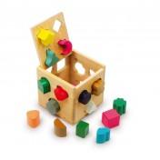 Cube en bois avec différentes formes à introduire