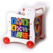 Cube en bois actif sur roulettes Ours