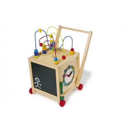 Cube en bois actif sur roulettes